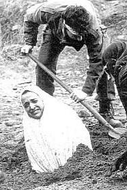 Κωνσταντίνος Τσόφλης και το αυγό της οχιάς