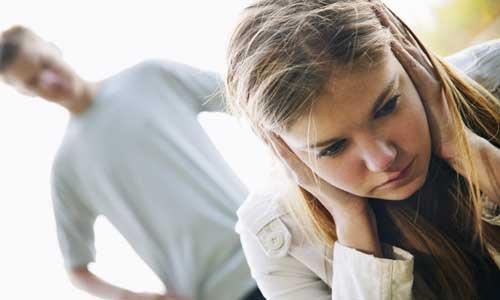 Κάθε 63 λεπτά πεθαίνει μία γυναίκα από την ενδοοικογενειακή βία στη Ρωσία