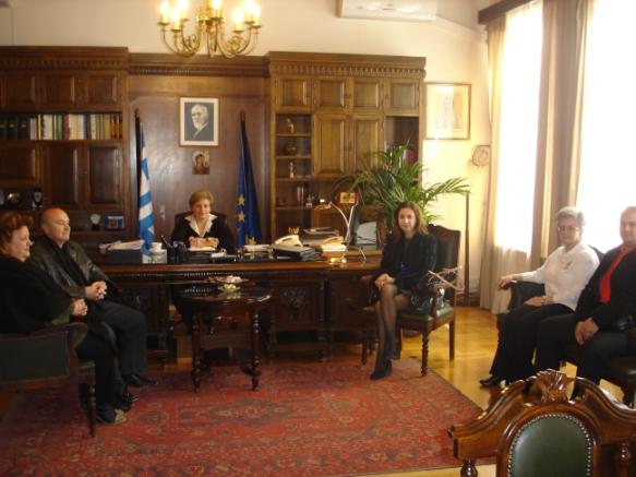 Την Αντιπεριφερειάρχη Ρεθύμνης, κα Μαρία Λιονή, επισκέφτηκε το  Διοικητικό Συμβούλιο του τοπικού παραρτήματος του Ερυθρού Σταυρού