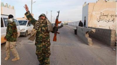 Λιβύη: Βομβαρδίζουν τη Βεγγάζη οι δυνάμεις του Καντάφι