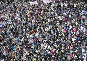 Πάνω από 70 νεκροί σε διαδηλώσεις στη Συρία