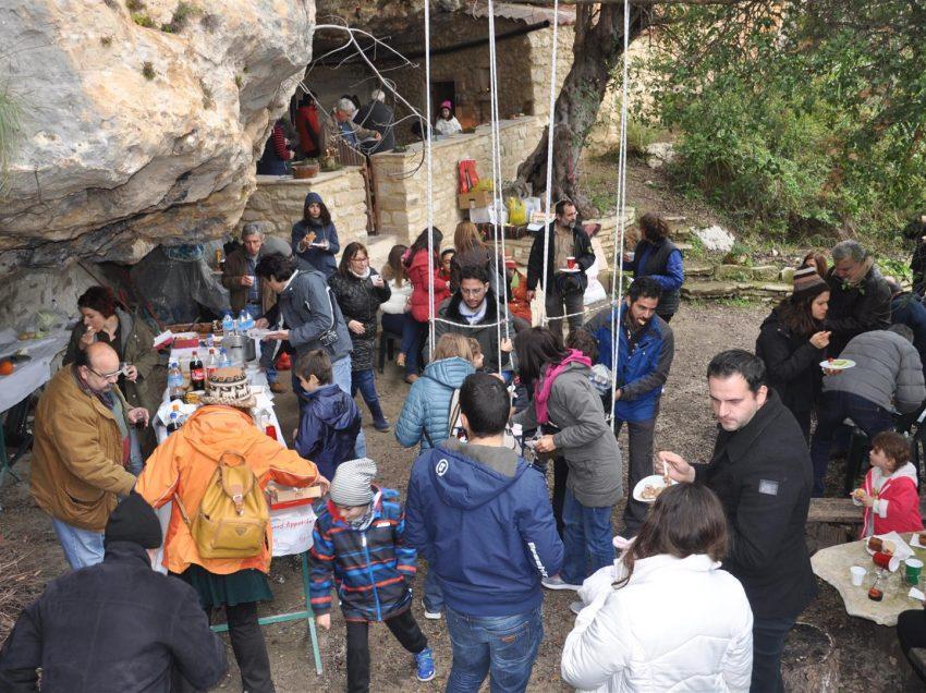 Έκοψαν την πίτα του 2017 οι Ρεθεμνιώτες Σπηλαιολόγοι
