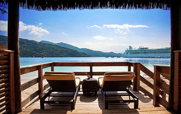 Ζητείται επαγγελματίας τουρίστας με αμοιβή 61.000 ευρώ για 3 φωτογραφίες την ημέρα!