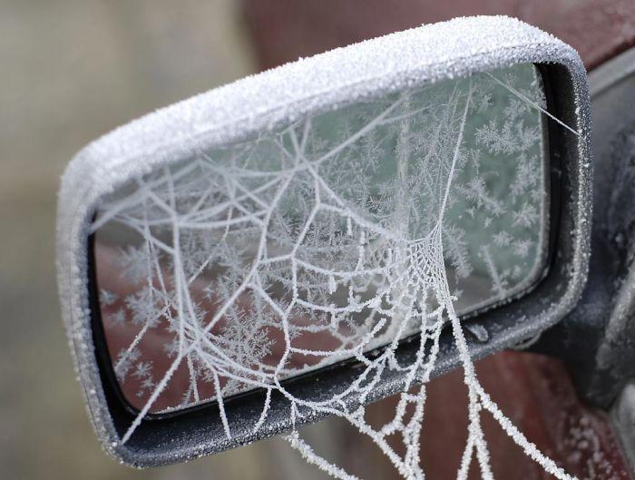 Αυτοκίνητα μεταμορφώθηκαν από τον πάγο σε έργα τέχνης!