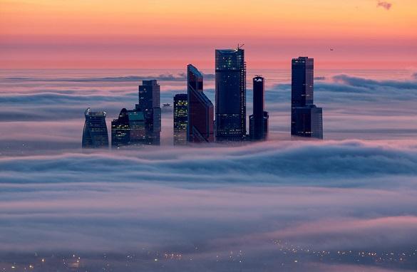 Ο ορίζοντας της Μόσχας στην ομίχλη
