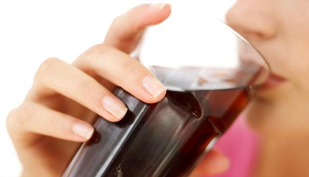 Όχι στα τυποποιημένα τρόφιμα, στα αναψυκτικά με ζάχαρη και τον καπνό