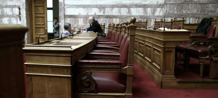 Στη Βουλή σήμερα το εισηγητικό πόρισμα για τα δάνεια κομμάτων και ΜΜΕ