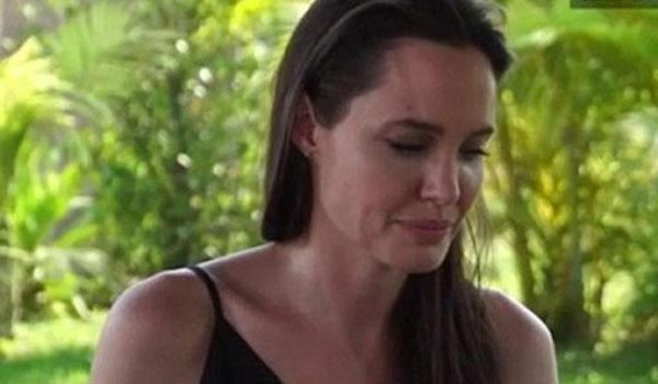 Η Τζολί μιλά πρώτη φορά για το διαζύγιο της με τον Μπραντ Πιτ