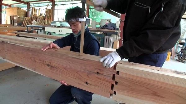 Εντυπωσιακή ιαπωνική τεχνική ένωσης ξύλων χωρίς καρφιά!