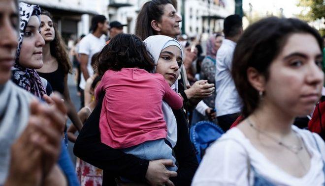 Βρετανία: Επικρίσεις για τη μείωση του αριθμού των προσφυγόπουλων που θα υποδεχτεί