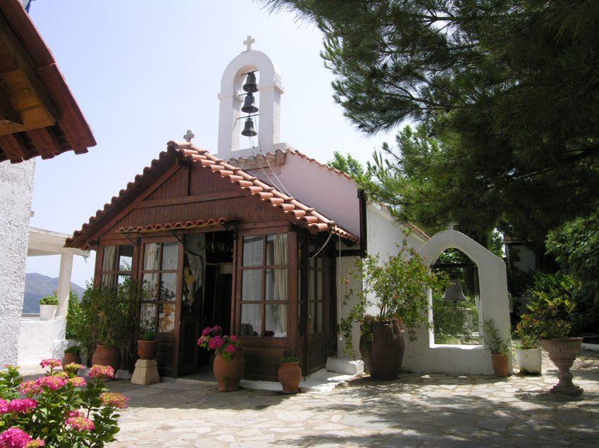 Χ.Ε.Ν. Ρεθύμνου: Απογευματινός περίπατος στην Μονή τoυ Αγίου Γεωργίου Δισκουρίου