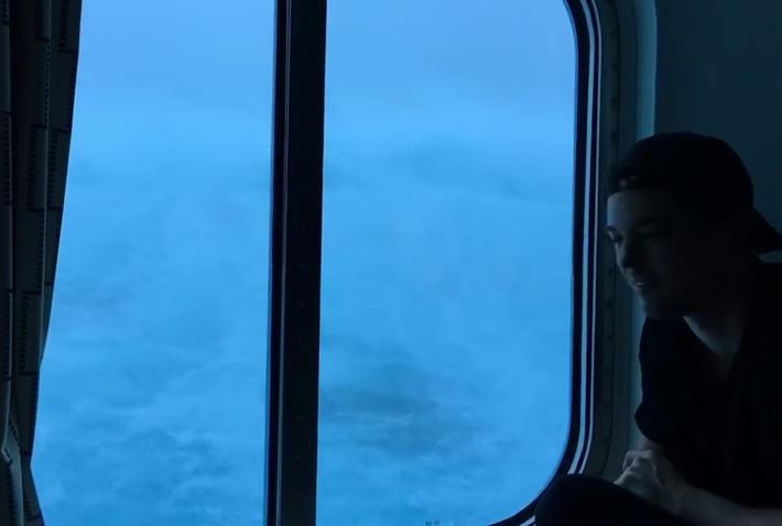 Η κρουαζιέρα του τρόμου – Κύματα 9 μέτρων χτυπούν κρουαζιερόπλοιο