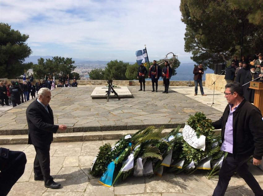 Το Ατσιπόπουλο στο ετήσιο πολιτικό μνημόσυνο στους Τάφους των Βενιζέλων