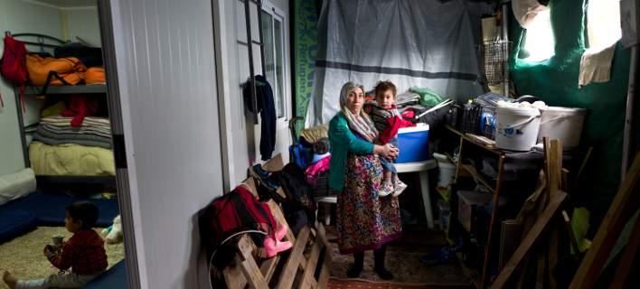 Οι Ελληνες θεωρούν απειλή τους μετανάστες – Συγκλονιστικά στοιχεία
