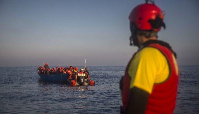 Νέα τραγωδία στη Μεσόγειο: Εκατό μετανάστες αγνοούνται μετά από ναυάγιο ανοιχτά της Λιβύης