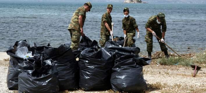 Τέρμα οι καμπάνες και τα βύσματα στο στρατό -«Ωφέλιμη θητεία», το νέο σχέδιο της κυβέρνησης