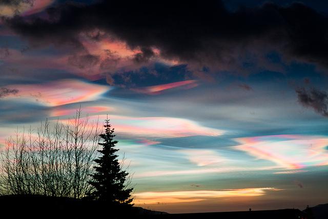 Μαργαριταρένια σύννεφα στον ουρανό