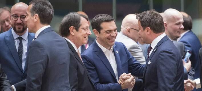 Σύνοδος Κορυφής: Ομόφωνη απόφαση-εξπρές των «27» της ΕΕ για το Brexit