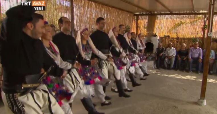 Όταν οι Τουρκοκρητικοί χορεύουν «Ανωγειανό Πηδηχτό» (Video)