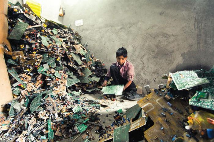 Δέσμευση της Apple για χρήση στο μέλλον υλικών αποκλειστικά από ανακυκλωμένα e-απόβλητα