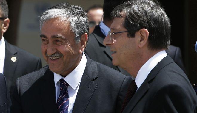 Αναστασιάδης – Ακιντζί αποφασίζουν για τα επόμενα βήματα της διαπραγμάτευσης