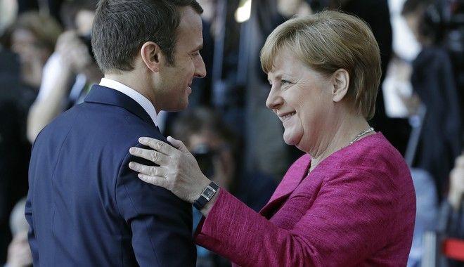 Επανίδρυση της Ευρώπης ζήτησε ο Μακρόν από τη Μέρκελ