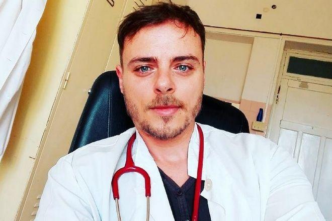 Τραγουδιστής του Fame Story διορίστηκε γιατρός στα Αντικύθηρα