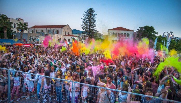 Όλο το Ρέθυμνο σε ρυθμούς Holi Fest Crete το περασμένο Σάββατο