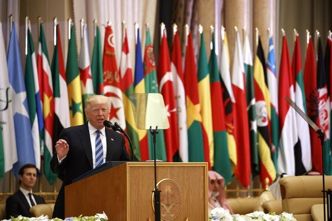 Τραμπ: Απομονώστε το Ιράν