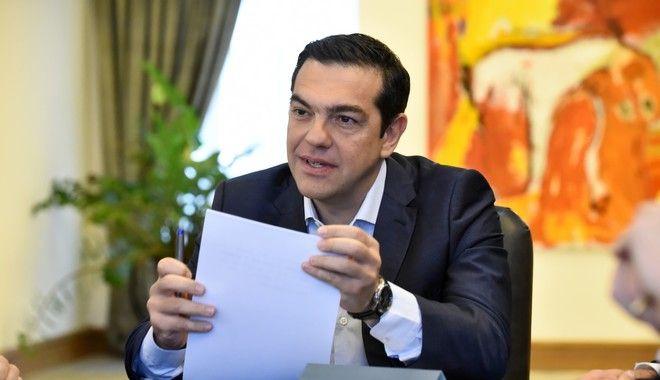 Τσίπρας καθησυχάζει ΣΥΡΙΖΑ: Δε θα εφαρμοστούν μέτρα χωρίς το χρέος