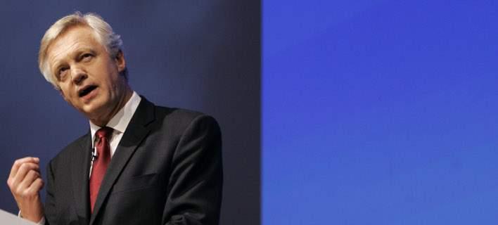 Υπουργός Brexit: Το Λονδίνο δεν θα αποδεχτεί την «εμμονή» των Βρυξελλών με το Δικαστήριο της ΕE