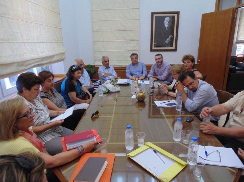 Περιφέρεια Κρήτης: Ξεκινούν άμεσα οι διαδικασίες για το πρόγραμμα της δακοκτονίας