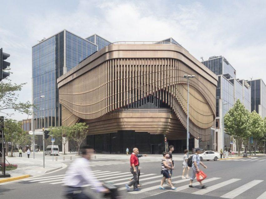 Κινούμενη πρόσοψη κτηρίου αλλάζει… συνεχώς την εμφάνισή του!