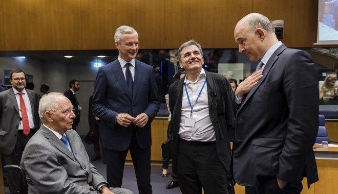Θετική έκβαση στο Eurogroup: Έξτρα δόση με δεσμεύσεις για το χρέος