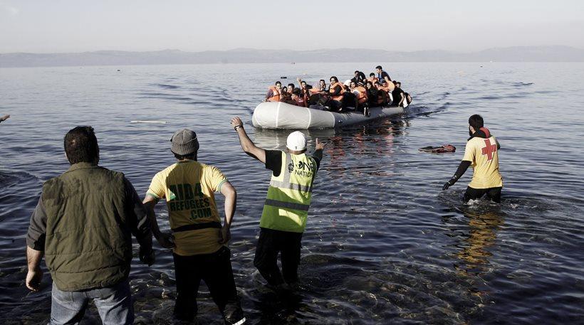 Συναγερμός στα νησιά: Για τρίτη συνεχόμενη ημέρα έφτασε τριψήφιος αριθμών μεταναστών