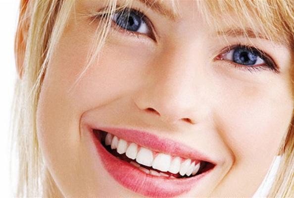 Δόντια: Οι κακές συνήθειες που τα χαλάνε