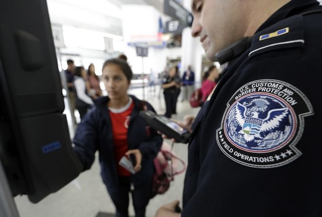 Εκτενή δεδομένα των ταξιδιωτών, απαιτούν οι ΗΠΑ από όλες τις χώρες