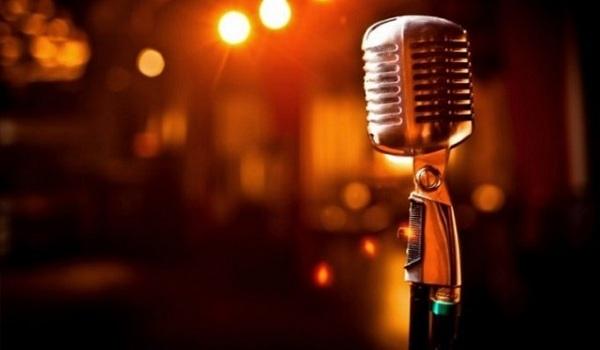 Γνωστή τραγουδίστρια: Ήμουν εθισμένη στον τζόγο. Έχασα πάρα πολλά λεφτά