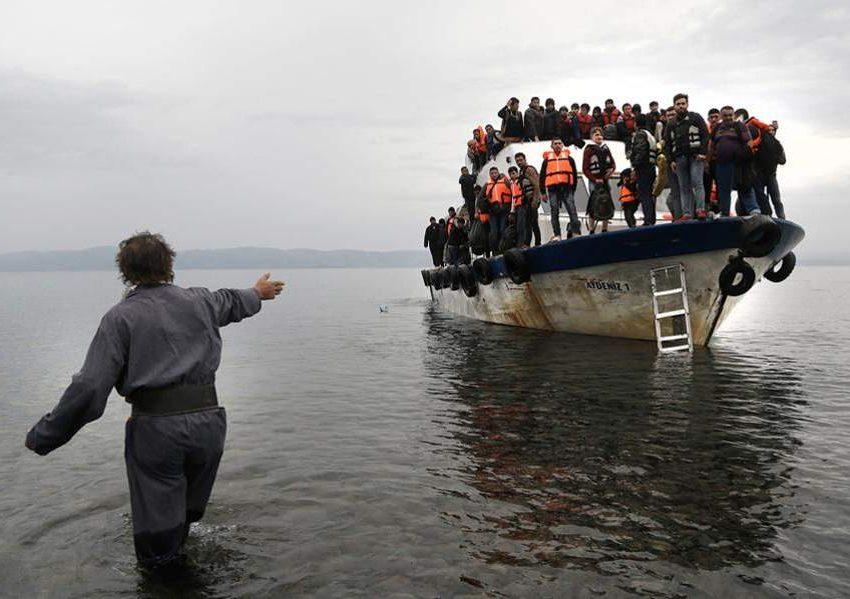 Ολο και περισσότεροι μετανάστες φθάνουν στα ελληνικά νησιά