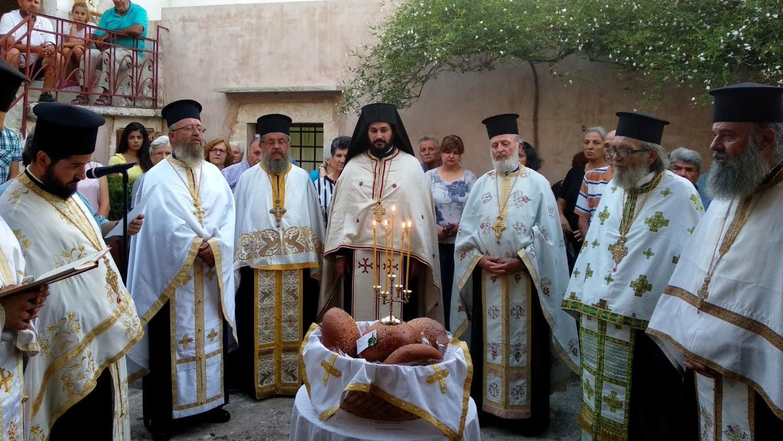 Φωτοστιγμιότυπα από την Πανήγυρη της Ιεράς Πατριαρχικής και Σταυροπηγιακής  Μονής Προφήτου Ηλιού Ρουστίκων 16cf4feb6eb