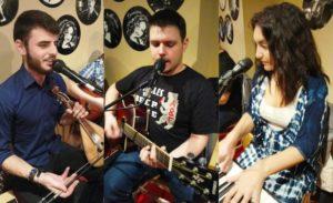 Oι «Τρεις Μαδιάμ» στο μουσικό μεζεδοπωλείο Συμπληγάδες